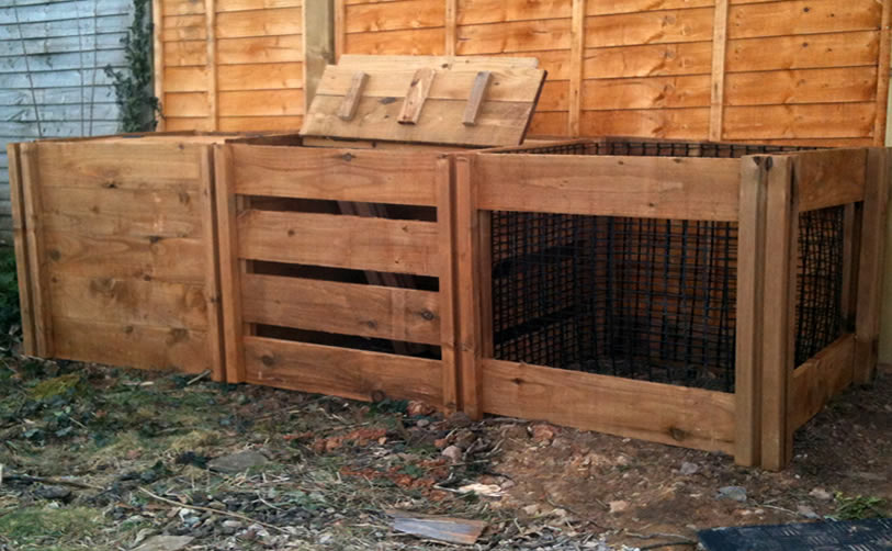 1900 Blackdown Range Triple Mix Wooden Composter with Lids