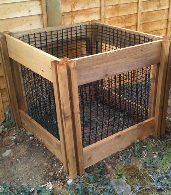 400 Blackdown Range Single Leaf Mould Wooden Composter
