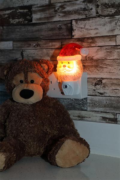 Garden Santa Night Light With Dusk Sensor